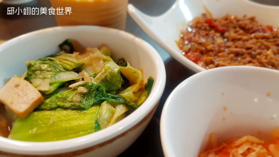 【新北食記】隱身在中和園區的好味道-銀魚泰式料理