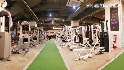 灰白色健身器材是属于一般健身用的设备