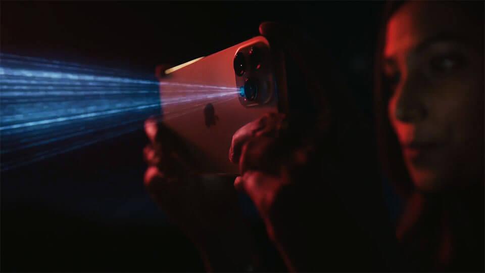 LiDAR感应器最大的优点就在于在夜间拍摄时,它可提升镜头的对焦速度,这样可使拍摄画面更加准确且清晰